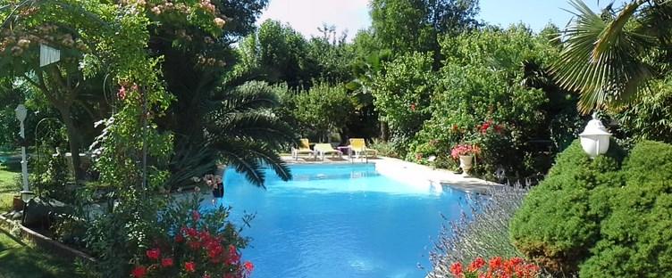 Accueil fleur de rocaille for Bordure per piscine